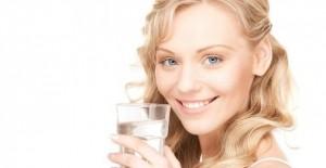 Kakie funktsii vyipolnyaet voda v organizme 1 300x155 - Какие функции выполняет вода в организме-1