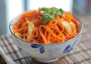 Salat iz morkovi 300x209 - Салат из моркови