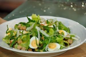 Salat iz yaits 300x199 - Салат из яиц