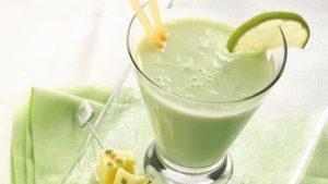 Bananovyiy kokteyl s medom i limonom dlya pohudeniya 300x169 - Банановый коктейль с медом и лимоном для похудения
