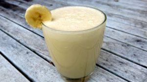 Kaloriynost molochnogo kokteylya s bananom 300x168 - Калорийность молочного коктейля с бананом