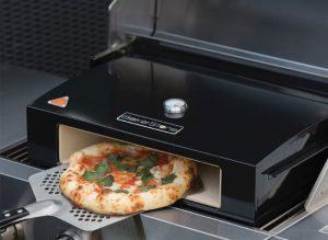 Prigotovlenie domashney pitstsyi 300x219 - Приготовление домашней пиццы