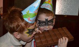 Ogromnaya plitka shokolada 300x180 - ogromnaya-plitka-shokolada.jpg